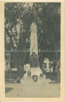 Image of Postcard, Victory Monument in Victory Park, Manchester, NH - 1952.063.003
