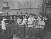 Image of Straw School Class of 1922 - 1972.110.061