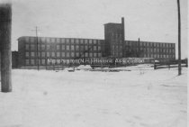Image of Cohas Shoe Factory (McElwain), Willow Street - circa 1940's. - 1975.032.001