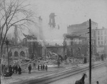 Image of Kennard Block Fire, Elm Street, Manchester, NH - January 14, 1902 - 1976.504.083
