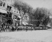 Image of Amoskeag Veterans, Elm Street North of Hanover - 1896. - 1992.012L-B