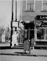 Image of Copy Photo— Lewis G. Gilman Drug Store, 443 Lake Avenue - 1997.050.002