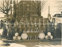 Image of Manchester Alpine Club Fife & Bugle Drum Corps - 2011.074.001