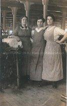 Image of Women in Mills - 2015.073.002