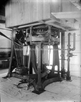 Image of Cotton Press; Round Bailing Press - AMCGN 0460