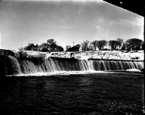 Image of Ice at Amoskeag Dam - AMCGN 0502