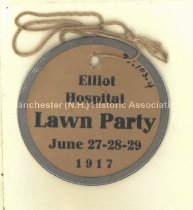 Image of Elliot Hospital Lawn Party, 1917 - 1975.103.004