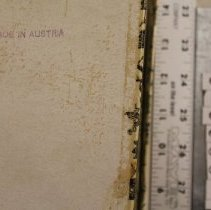 Image of Bottom of fan box