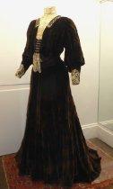 Image of Dress - 1902