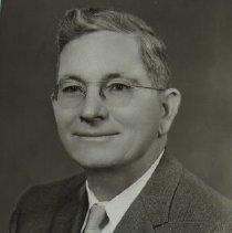 Image of 5062 - Robert E. Willis