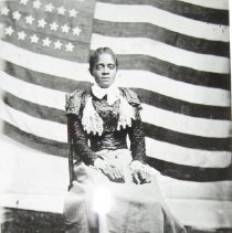 Image of 2562 - Girl with flag