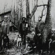 """Image of 1490 - Coon hunters and dogs - Smith, J.C. """"Wes""""; Waring, Will; Waring, Art; Smith, Norman"""