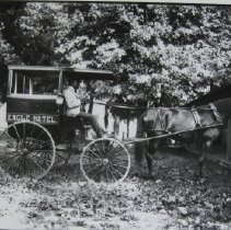 Image of 1575 - Horse and carriage Taxi for Eagle Hotel