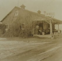 Image of 1007 - Fruit stand (earlier a tea room), Route #1; owner Dr. Joseph D. Hoopes