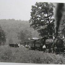 Image of 3182 - MA & PA Engine No. 28 northbound, Rocks Station
