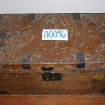 Image of 2014.10.040 - Trunk