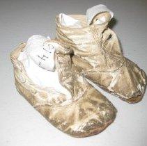 Image of 2016.014.056 - Shoe, Child's