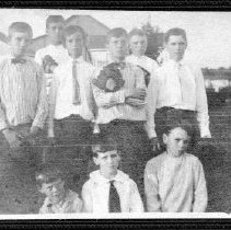 Image of 8903 - Black and white photo of  Stewart Day and a group of boys