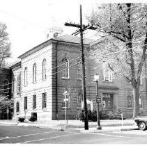 Image of 8927 - Black & white photo of Harford County Court House in Bel Air