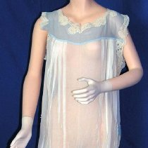 Image of 2001.002.004 - Nightgown