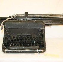 Image of Front of Remington typewriter