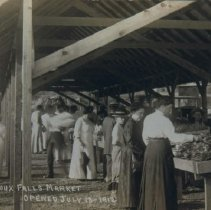 Image of Sioux Falls Market, 1912