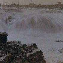 Image of Looking southwest at the falls of the Big Sioux River, ca. 1890s