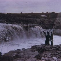 Image of Falls of the Big Sioux River looking west from Queen Bee Mill, ca. 1898