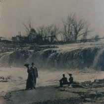 Image of Couples at the falls of the Big Sioux River, ca. 1910