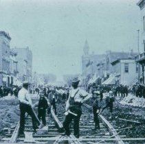 Image of Laying street car tracks on Phillips Ave., 1887