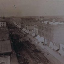 Image of Laying first street car track on Phillips Ave., 1887