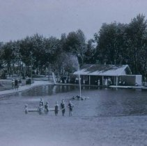 Image of McKennan Park pool, ca. 1915-1917
