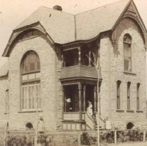 Image of Exterior of William A. Dow Home in Sioux Falls -