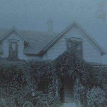 Image of William H. and Winona Axtell Lyon home (Dakota Ave.), pre-1900