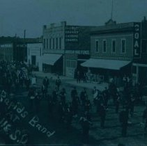 Image of Dell Rapids Band in Ind. Order of Odd Fellows Parade, May 19-21, 1908