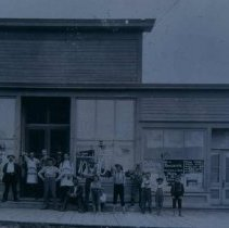 Image of People outside the John Mundt Store in Hartford, SD, ca. 1900