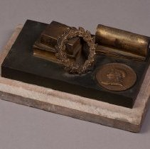 Image of Paperweight with Benjamin Franklin Medal