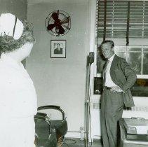 Image of Edward, Duke of Windsor, and Head Nurse Mildred Fineauer at Crile VA, 1950 - 2012.23.68