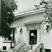 Image of Dixon Carnegie Library