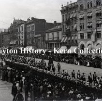 Image of K.1.1.136 - Glass-Plate Negative - Memorial Day - 3rd & Main Street, Dayton, OH 1893