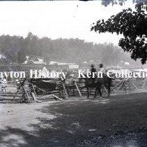 Image of K.5.9.1275 - Glass - Plate negative - Chickamauga, GA - Mule corral