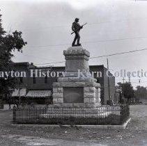 Image of K.5.9.640 - Glass - Plate negative - Confederate monument, Murfreesboro TN
