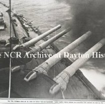 Image of NCR.1998.0367.001 - Glass Negative - WWI -  World War - Sea fighting & submarines, Big gun in action