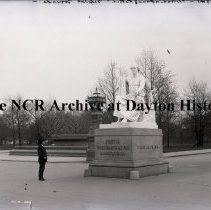 Image of NCR.1998.0555.027 - Eastern Educational Trip - Washington Statue, Capitol Grounds, November 1902