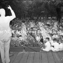Image of NCR.1998.0604.262 - Old River - Tool Division Picnic - View Of The Crowd From The Stage, Dayton, OH  July 15, 1944