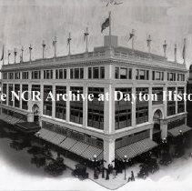 Image of NCR.1998.0775.001 - Glass Plate Negative - Department Store - H. C. Capwell, Exterior, Oakland, CA    January 22, 1913