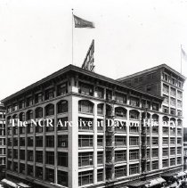 Image of NCR.1998.0775.015 - Glass Plate Negative - Department Store - Bullock's, Exterior,  Los Angeles, CA