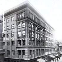Image of NCR.1998.0775.032 - Glass Plate Negative --Department Store -- Boston Store - Exterior - Providence, RI - taken  May 22, 1920 (copied June 26, 1924)