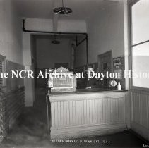 Image of NCR.1998.0775.061 - Glass Plate Negative -- Dairy - Ottawa Dairy Co., Ottawa, ON, Canada  - 106  July