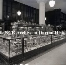 Image of NCR.1998.0776.064 - Glass Plate Negative - Department Store - Carson, Prarie, Scott - Chicago, IL Toilet Articles